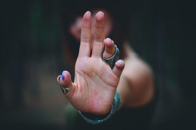 Jarang Disadari, Tapi 7 Kalimat Ini Bikin Pasangan Sakit Hati