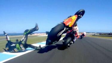 Kecelakaan Parah MotoGP, Johan Zarco Terpental Usai Senggol Marquez