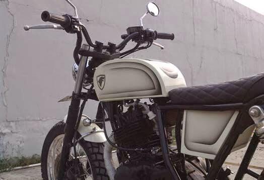 Modifikasi Motor Suzuki Thunder 250 Street Tracker Grovy V