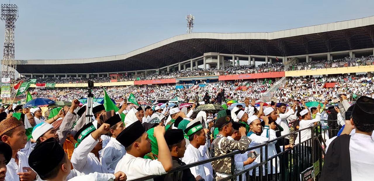Stadion Gelora Delta Sidoarjo Dipenuhi Ribuan Jemaah Istighosah Kubro