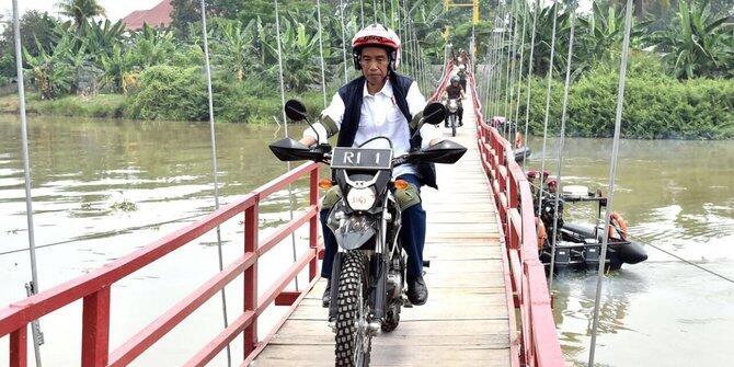 Demokrat: Jokowi merasa sudah di atas angin, tidak perlu pencitraan lagi