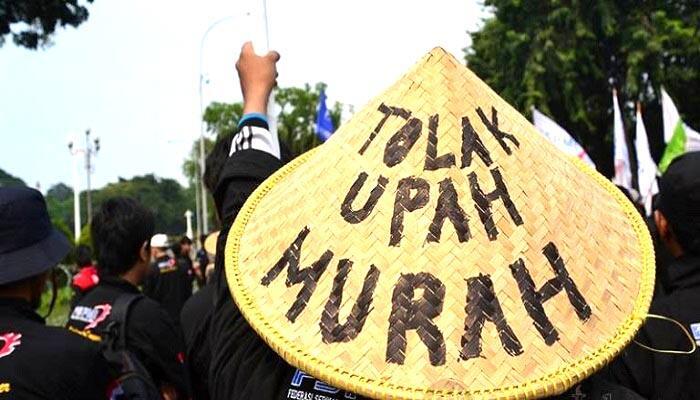 Asosiasi Pekerja Sebut Pemerintahan Jokowi Lebih Pro Pemodal di Balik Upah Rendah