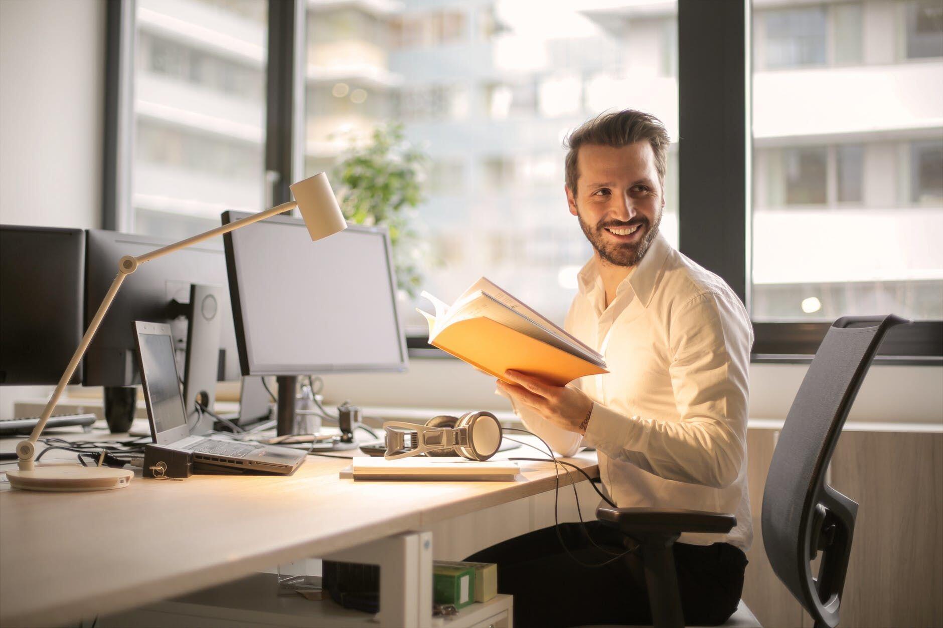 6 Tips Ampuh Membuat Kamarmu Menjadi Lebih Ideal Untuk Belajar