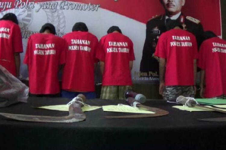 MAMPUS... Polisi Ringkus 6 Pemuda Mabuk yang Begal dan Bacok Anggota TNI