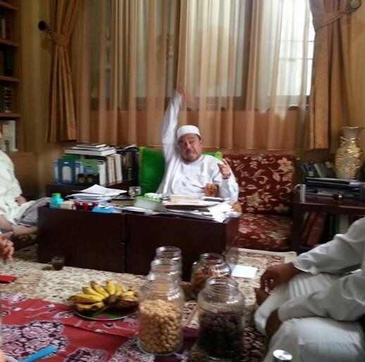 Habib Rizieq Marah karena Polisi Tak Lanjutkan Kasus Bakar Bendera