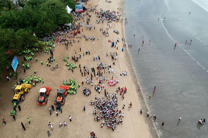 Oceana sorot penangkapan ikan ilegal dan sampah plastik di laut
