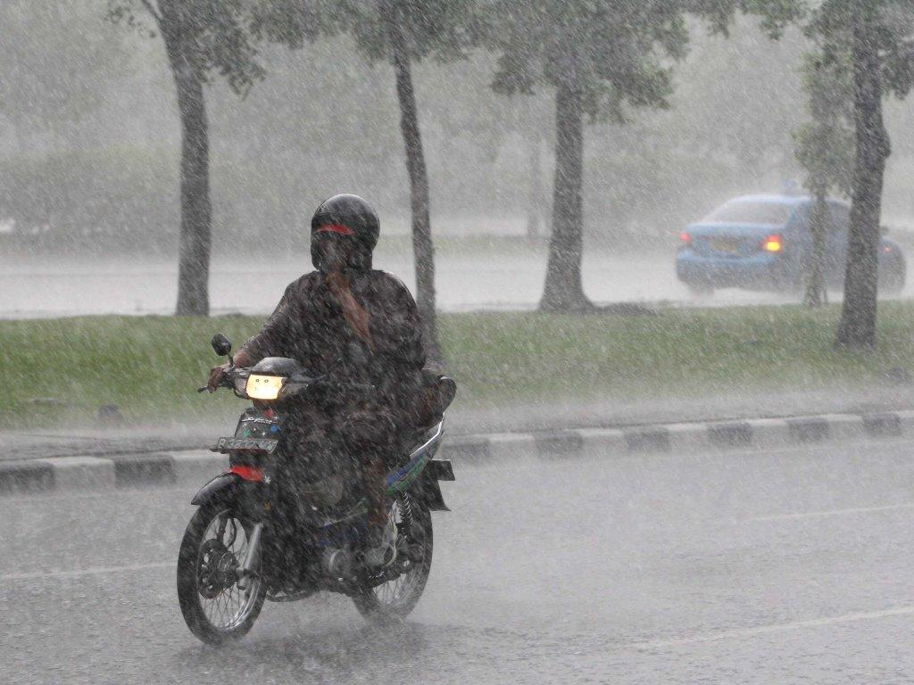 Siang hingga Malam, Jakarta bakal Diguyur Hujan