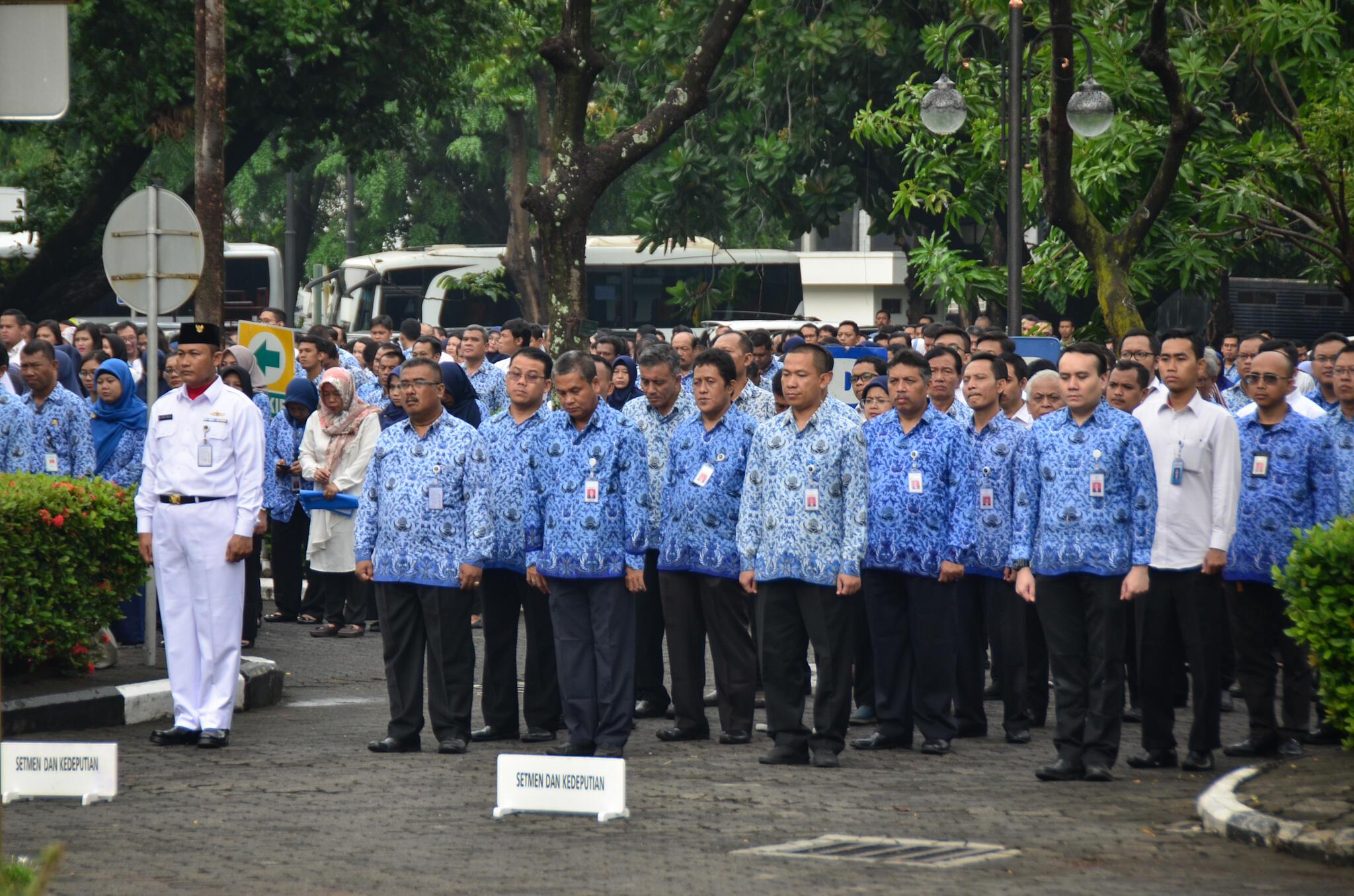 Pegawai di Lingkungan Lembaga Kepresidenan Upacara Peringati Hari Sumpah Pemuda ke-90