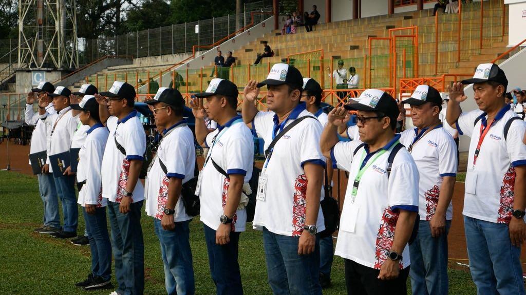 Menteri Rini Bersama 150 Dirut BUMN Gelar Upacara Sumpah Pemuda di Bontang