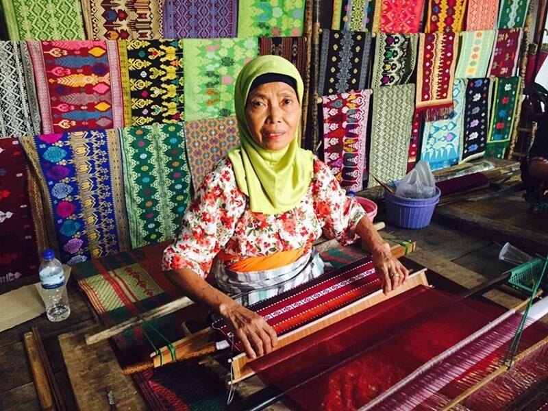 Keren! Ini 6 Kota Penghasil Tenun di Jawa Timur