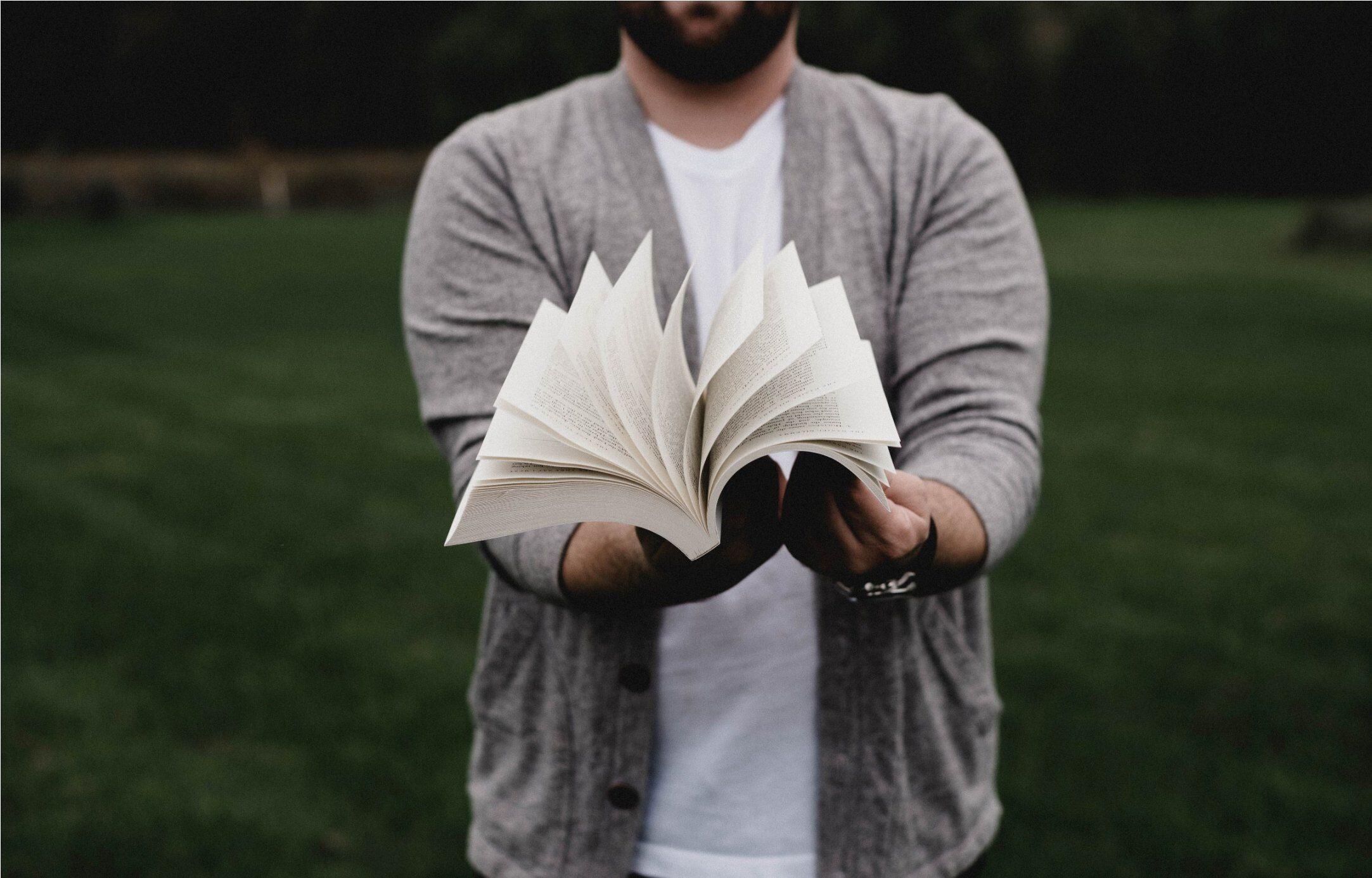 Gak Bermanfaat, 6 Kebiasaan Ini Wajib Kamu Hindari Selama Kuliah!