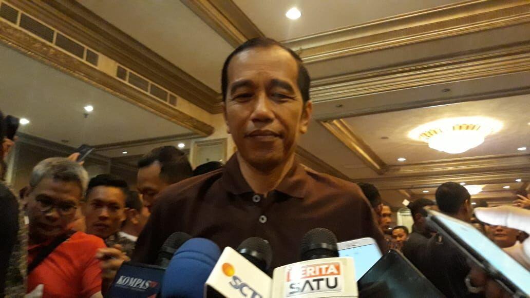 Lion Air Jatuh, Jokowi Terbang dari Bali Temui Keluarga Korban