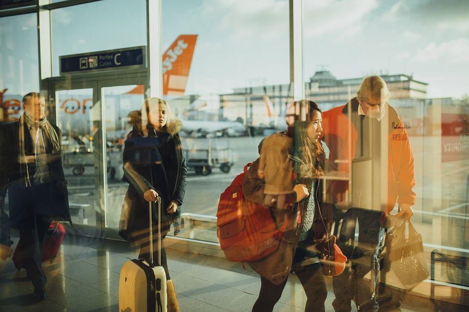Kamu Wajib Baca! 6 Tips Atasi Rasa Takut Terbang