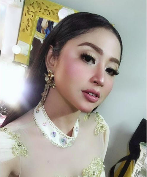 Dewi Perssik Akhirnya Somasi Ponakan yang Dianggap Songong dan Terobsesi Jadi Artis!