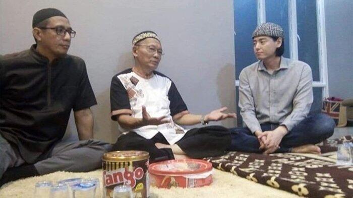 Unggahan Terakhir Roger Danuarta Sebelum Masuk Islam