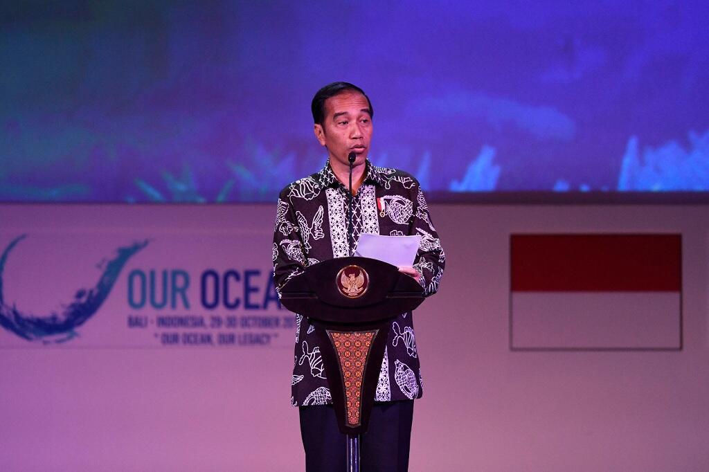 Jokowi Minta Pencarian Badan Pesawat 24 Jam