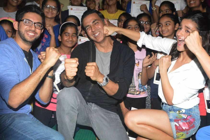 Salut! 5 Aktor Bollywood Ini Paling Peduli terhadap Isu-isu Perempuan