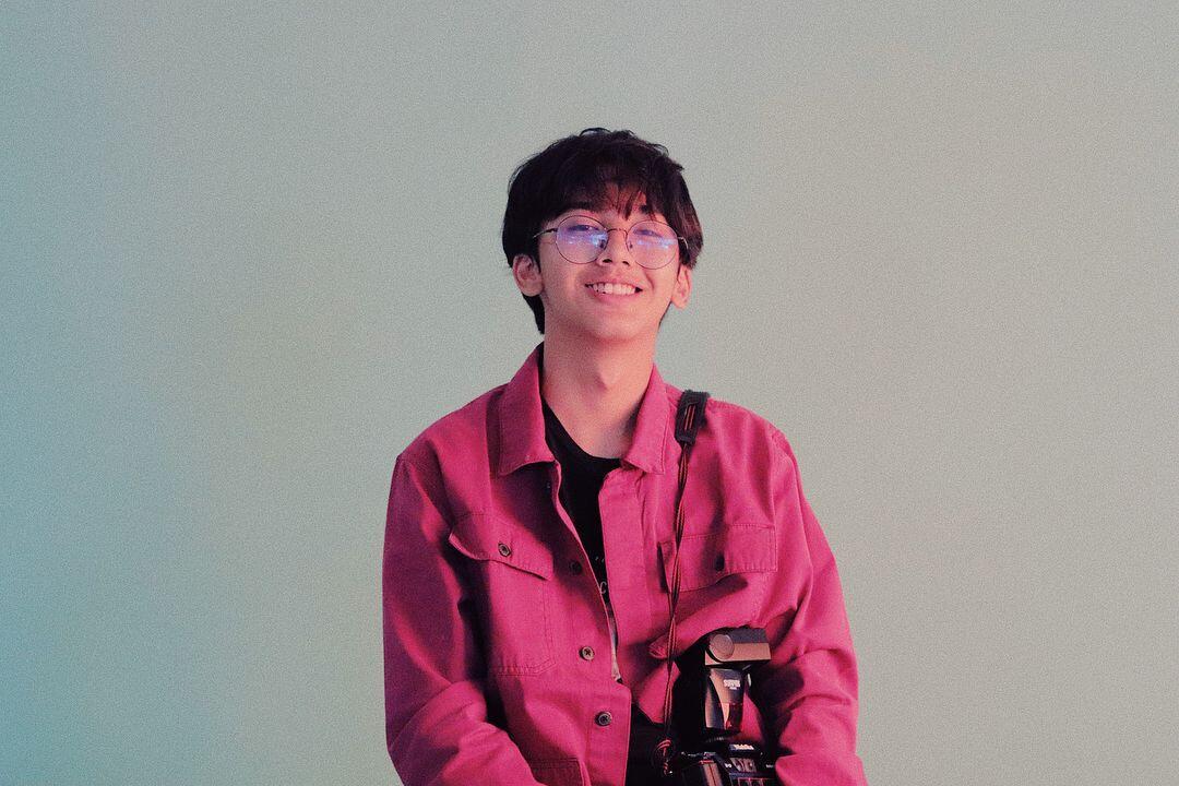 10 Potret Ari Irham, Aktor Sekaligus DJ yang Mirip Oppa Korea
