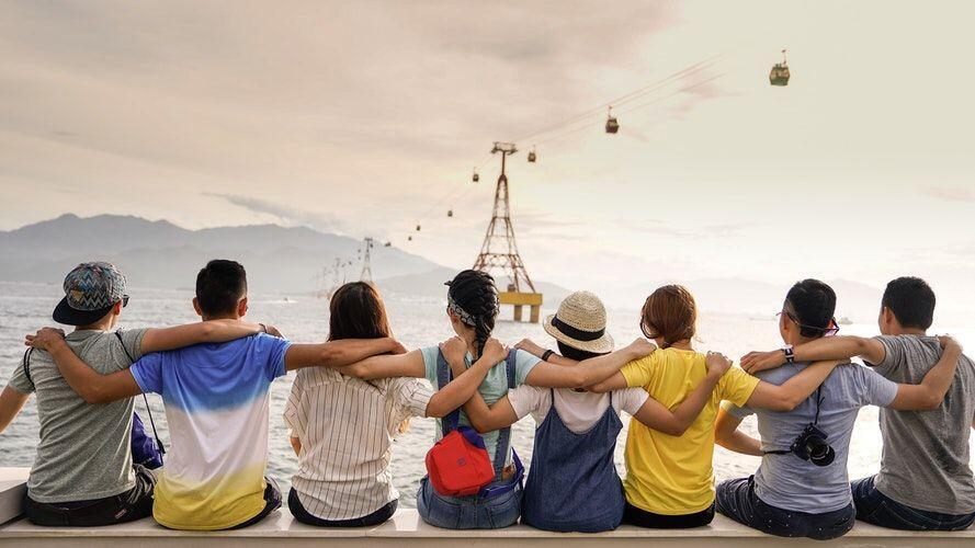 6 Tanda Nyata Golongan Orang yang Loveable, Bikin Nyaman Semua Orang!