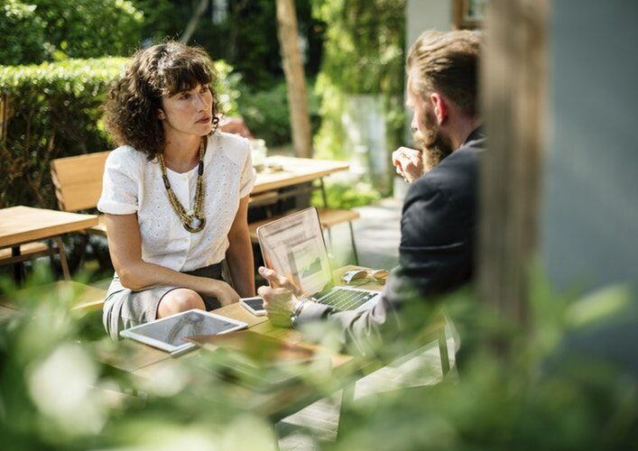 Yakin Kamu Seorang Pendengar yang Baik? Cek Dulu 6 Pertanyaan Ini!