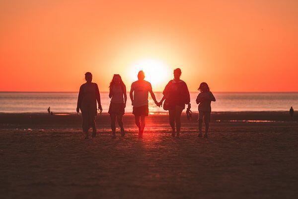 5 Alasan Kamu Gak Perlu Sedih Putus Cinta di Usia Remaja