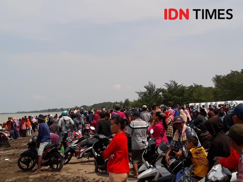 Pelukan sang Pengantin Baru Sebelum Menumpang Lion Air JT 610