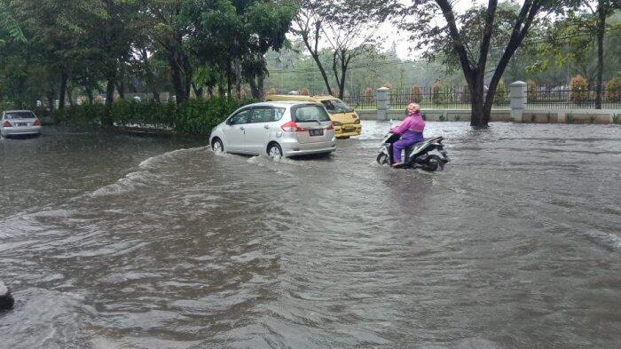Rawan Banjir Kawasan Jalan Dr Mansyur Jadi Langganan Tergenang Air