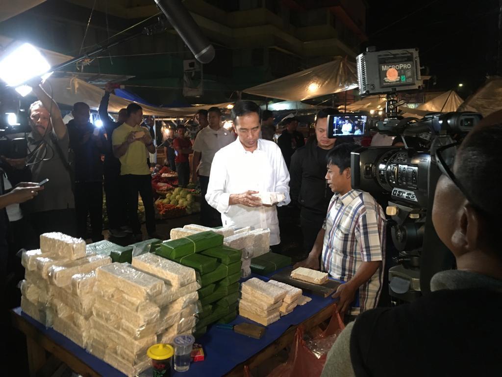 Jokowi Blusukan ke Pasar Surya Kencana Bogor