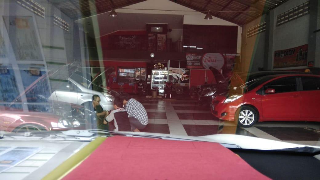 showroom Mobil membutuhkan Investor kerjasama profit income