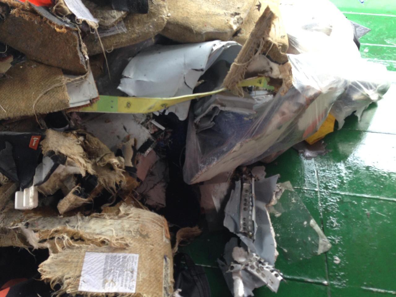DVI Polri Ambil Sampel Barang dan Serpihan Tubuh Korban Lion Air