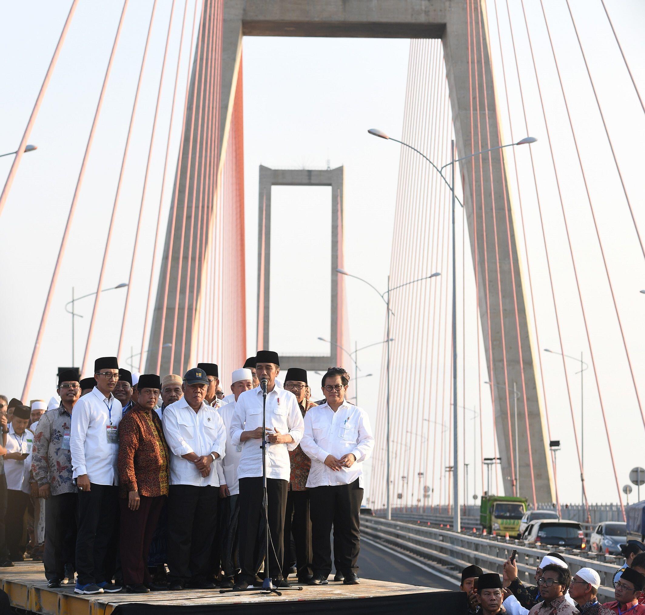 Sudah Tahu 7 Fakta Unik Jembatan Suramadu yang Sekarang Gratis Ini?