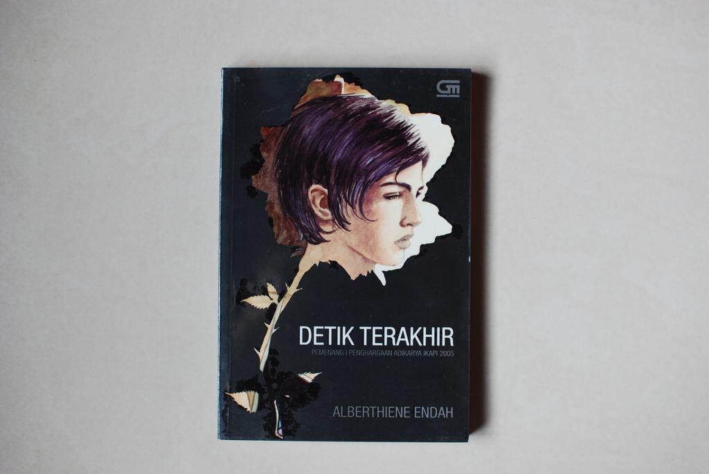 Psst... 5 Novel Indonesia ini Mengusung Tema Lesbian, Kalian Tahu Gak?
