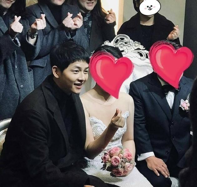 Setahun Menikah, 10 Potret Song Song Couple yang Auranya Makin Memikat