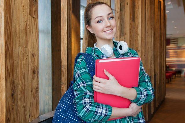 Jadi Generasi Millennial Bahagia, Ini 5 Hal yang Perlu Kamu Terapkan!