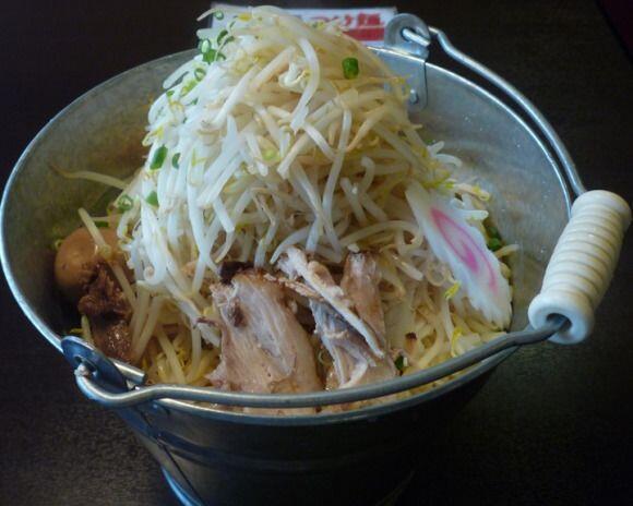 10 Makanan yang Disajikan dalam Porsi Jumbo, Yakin Kuat Makan Sendiri?