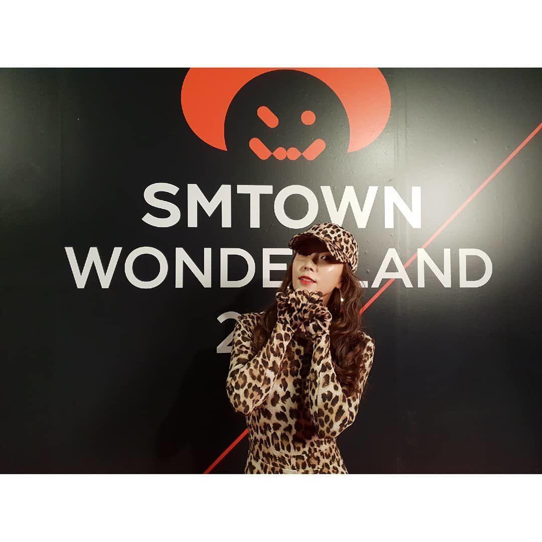 12 Potret Keseruan SM Wonderland, Para Idola KPop Tampil Seram Banget!
