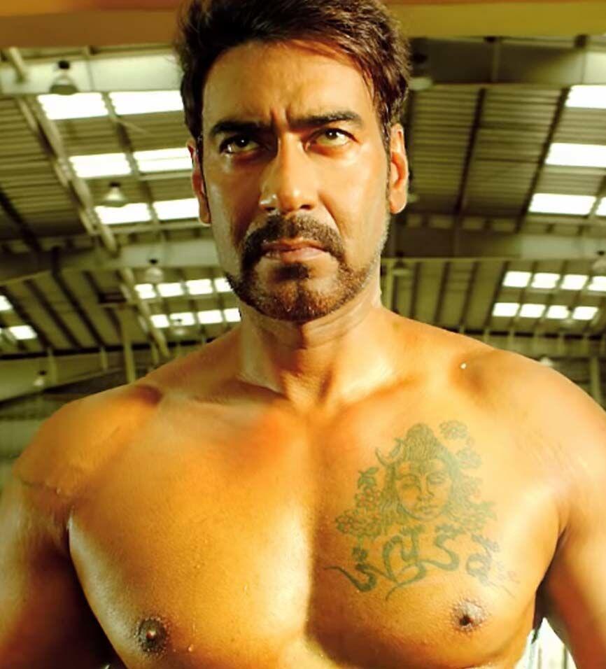 9 Artis Bollywood dan Makna Tato di Tubuhnya