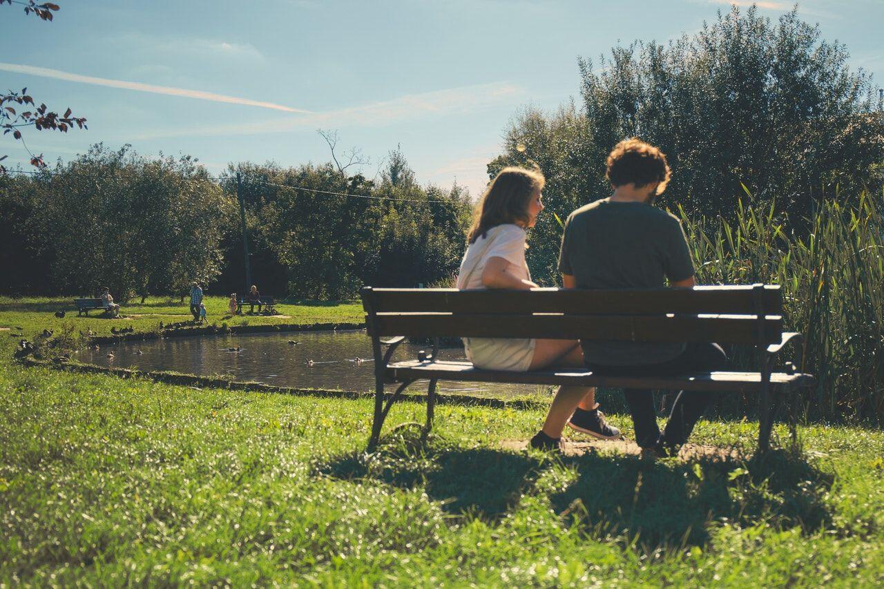 5 Hal yang Dilakukan Cowok Ketika Naksir Cewek