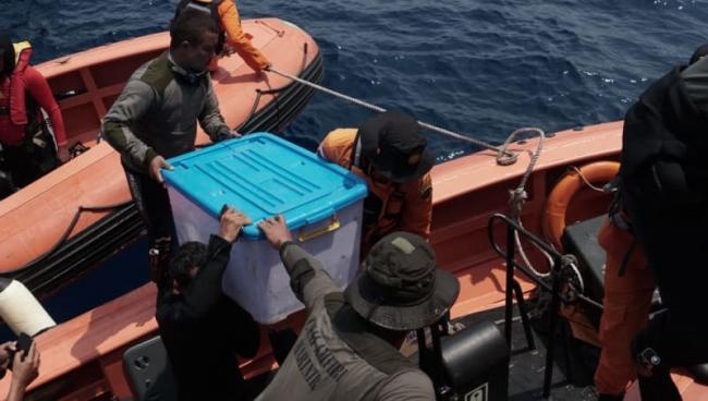 Penyelam Marinir Temukan Bagian Kotak Hitam Lion Air JT-610, Kondisinya Utuh