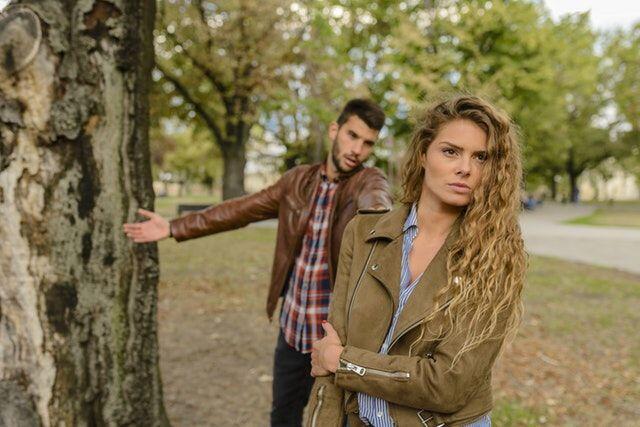 5 Resiko yang Akan Diterima Saat Bergantung Secara Materi Sama Pacar