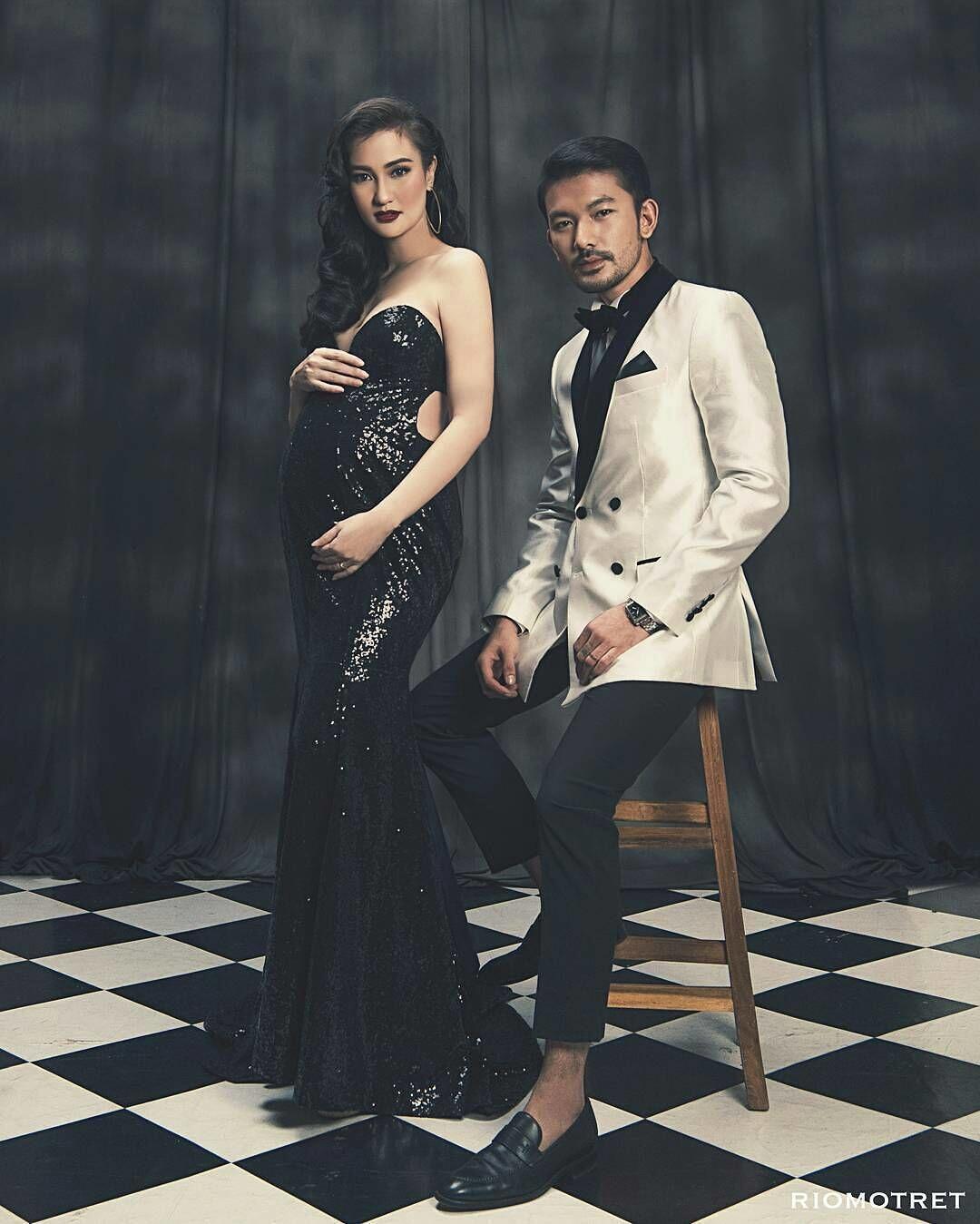 10 Maternity Shoot Paling Glamour dengan Gaun, Bak Bidadari Kayangan!