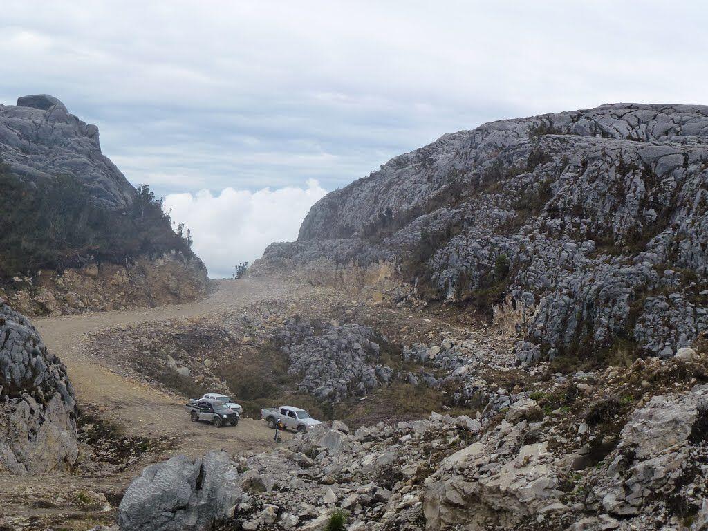 10 Gunung Tertinggi di Indonesia yang Menawan, Impian Para Pendaki Nih