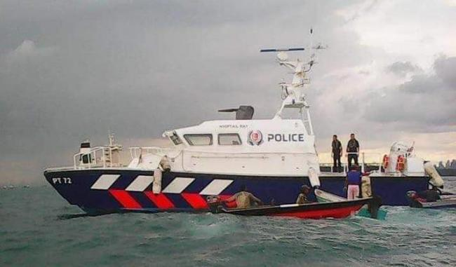Nelayan Batam Patah Kaki Ditabrak Police Marine Guard Singapore