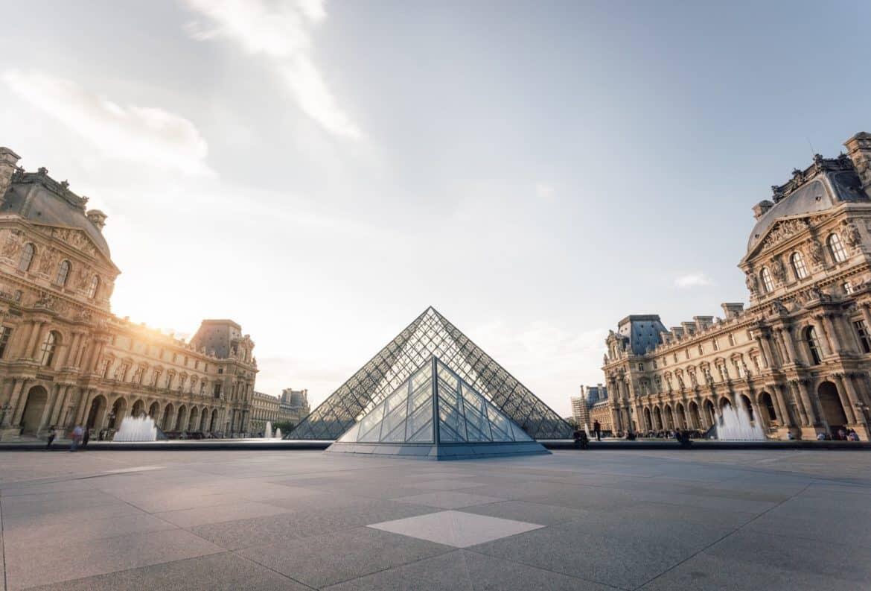 Bagaimana Menghabiskan Hari Minggu di Paris?