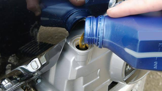 Efek Oli Motor Palsu dan Cara Singkat Antisipasi