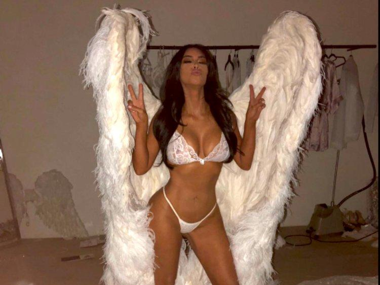 Kostum Seksi Kim Kardashian dan Saudarinya di Halloween Tahun Ini