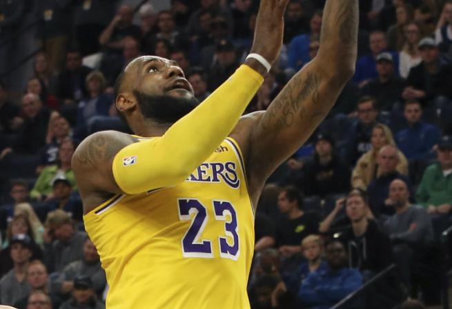 NBA: Warriors Kalahkan Pelicans