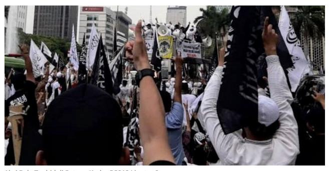 Di hadapan massa Aksi Bela Tauhid, orator ini doakan Prabowo jadi presiden