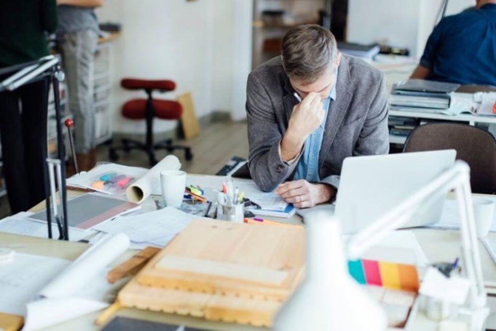 Sakit Saat Kerja, Sembuh Saat Pulang? Bisa Jadi Kamu Terkena SBS Akut!