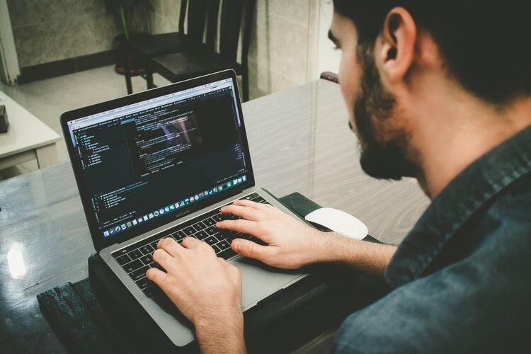 7 Situs yang Ngajarin Coding dengan Gratis, Skill Terlaris Saat Ini